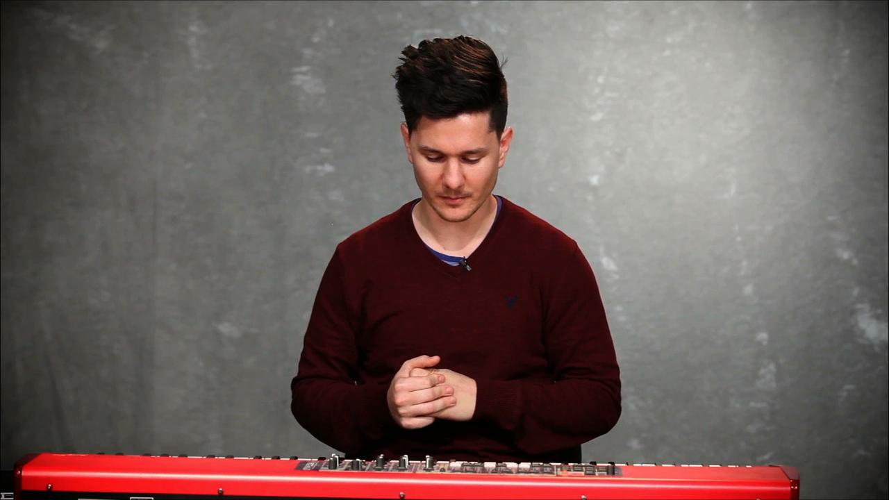 Piano   reading a chord chart